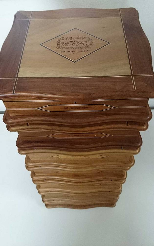 Tower of 7 Ramon Allones Humidor Antiguo Imperiales