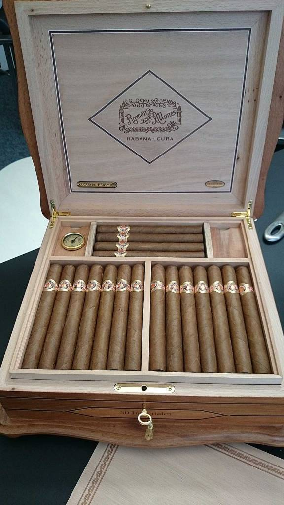 Humidor Antiguo - Ramon Allones - Imperiales
