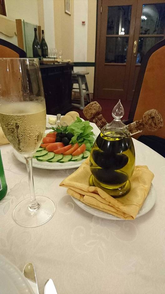 Nacional hotel salad and champagne